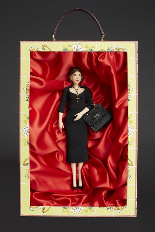 say-ole-dolce-gabbana-limited-edition-dolls_2-1