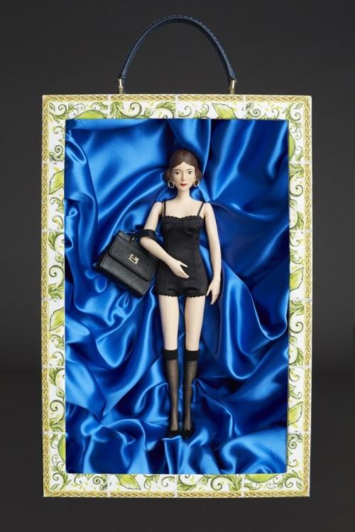 say-ole-dolce-gabbana-limited-edition-dolls_7-1