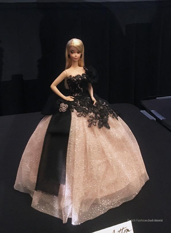 ©2017 Dutch Fashion Doll World