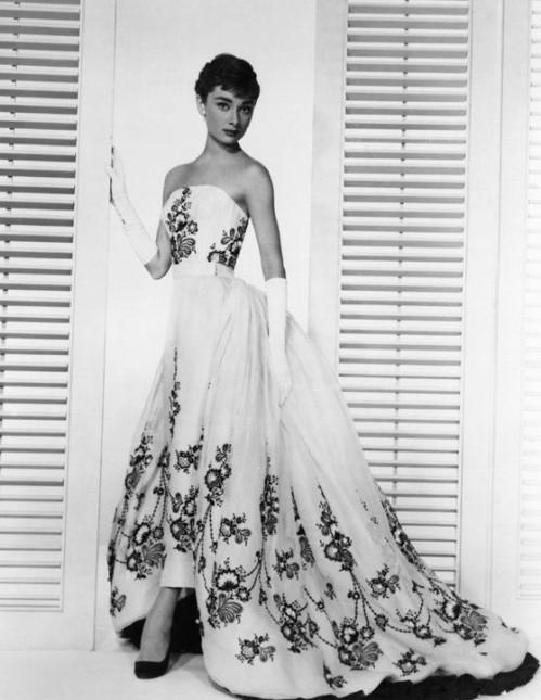audrey-hepburn-wedding-dress-sabrina-4